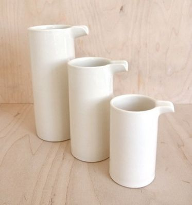 Billy Lloyd, Cylindrical Jugs